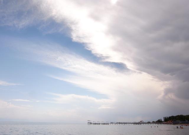 3 20101006183627 玄奘三蔵が大清池と呼んだイシククル湖