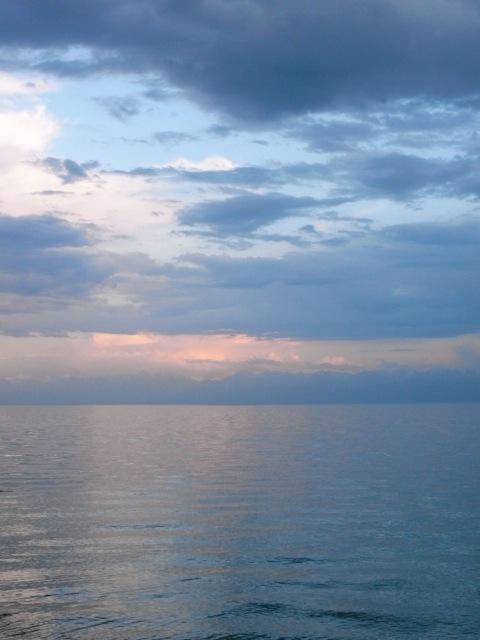 R0013572 玄奘三蔵が大清池と呼んだイシククル湖