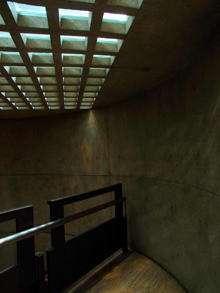 Yale10 ルイ・カーンによるイエール大学のBritish Art Gallery 1