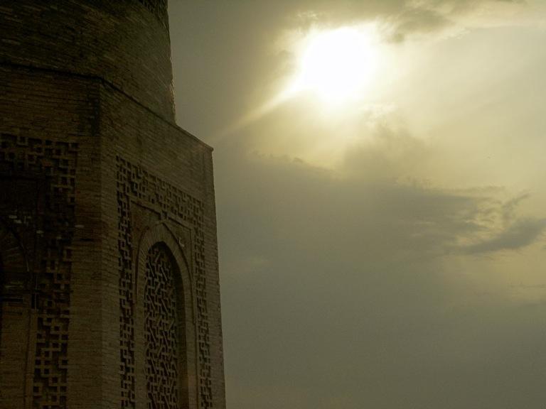 PICT0171 シルクロードの風に立つブラナの塔