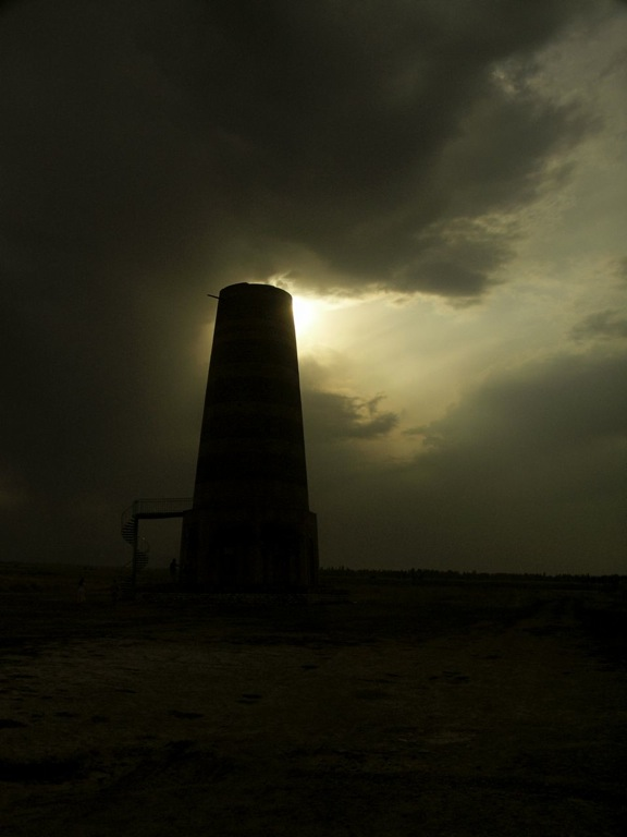 PICT0172 シルクロードの風に立つブラナの塔
